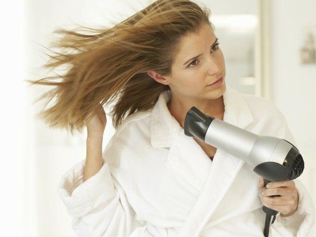 Как высушить волосы феном