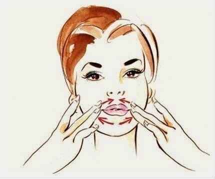 Массаж вокруг губ против морщин